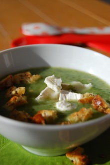 Watercress soup with goats cheese and herb garlic croutons