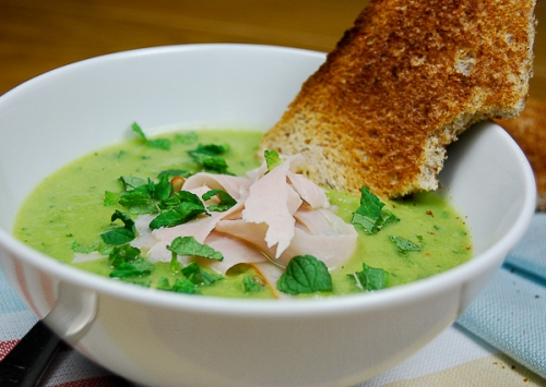 pea soup with ham and mint 3